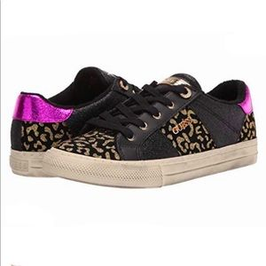 GUESS GWLoven4 Sneakers